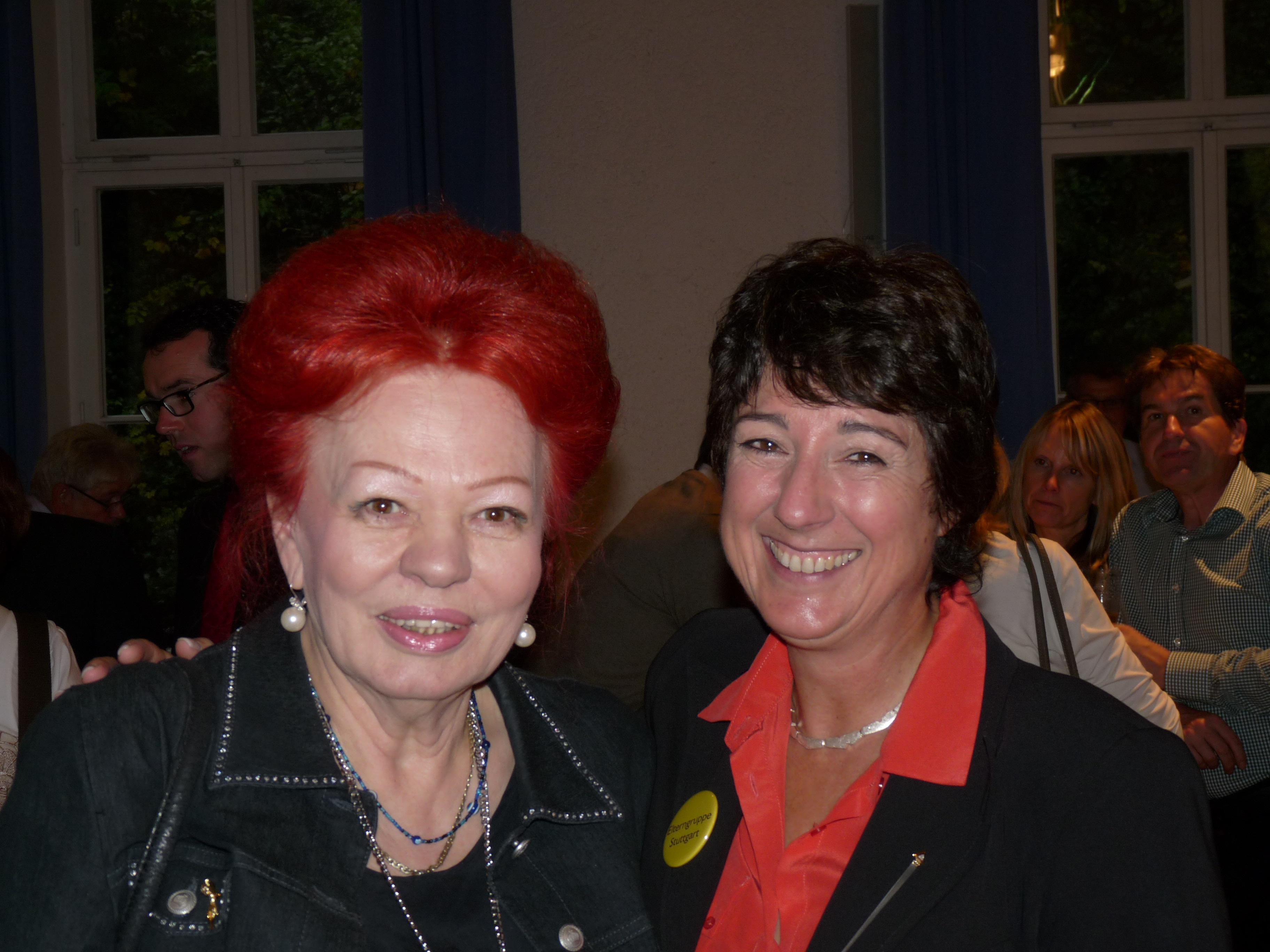 2013-Jubiläum-11-Laura Halding Hoppenheit Loni Bonifert