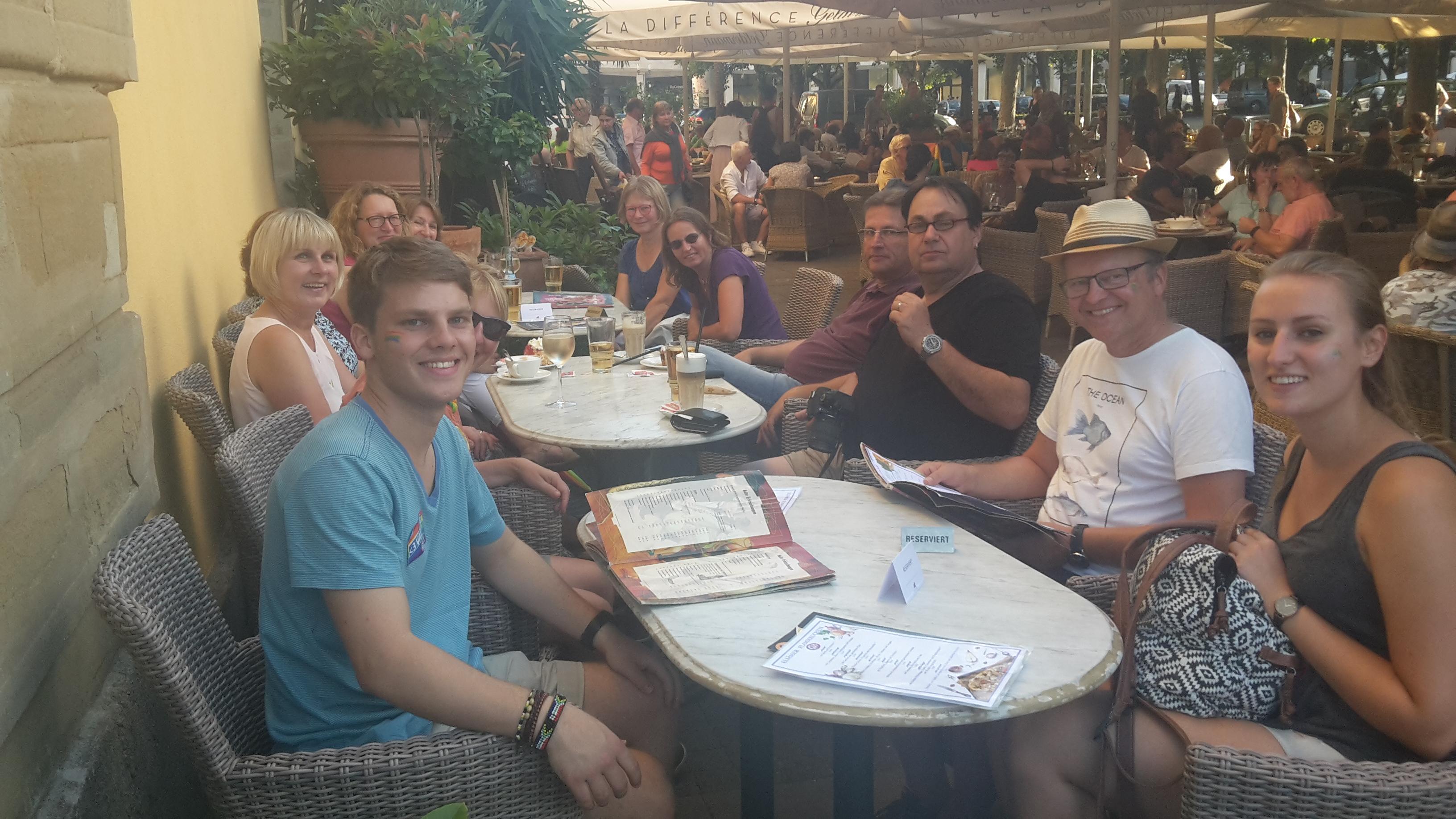 2017-07_CSD-Parade-Abschluss-Cafe-Planie2