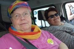 2014-CSD Parade Claudia und Erika im Paradefahrzeug